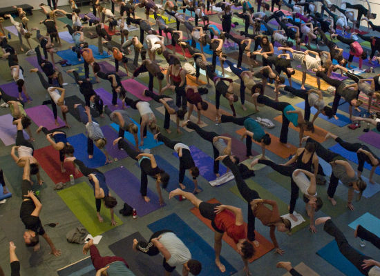 Inspiring yoga: World's largest ever class in Central Park