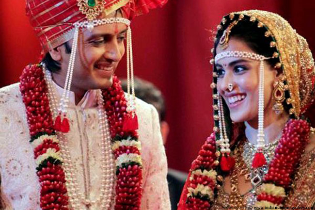 Marathi Bridal Makeup And Hairstyle : The magnificent wedding trousseaus of marathi brides